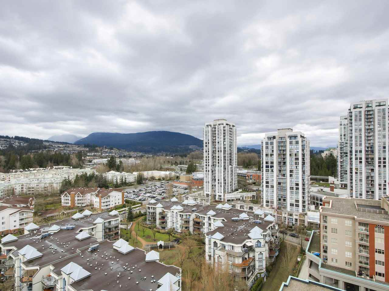 "Main Photo: 1901 2959 GLEN Drive in Coquitlam: North Coquitlam Condo for sale in ""THE PARC"" : MLS®# R2149009"
