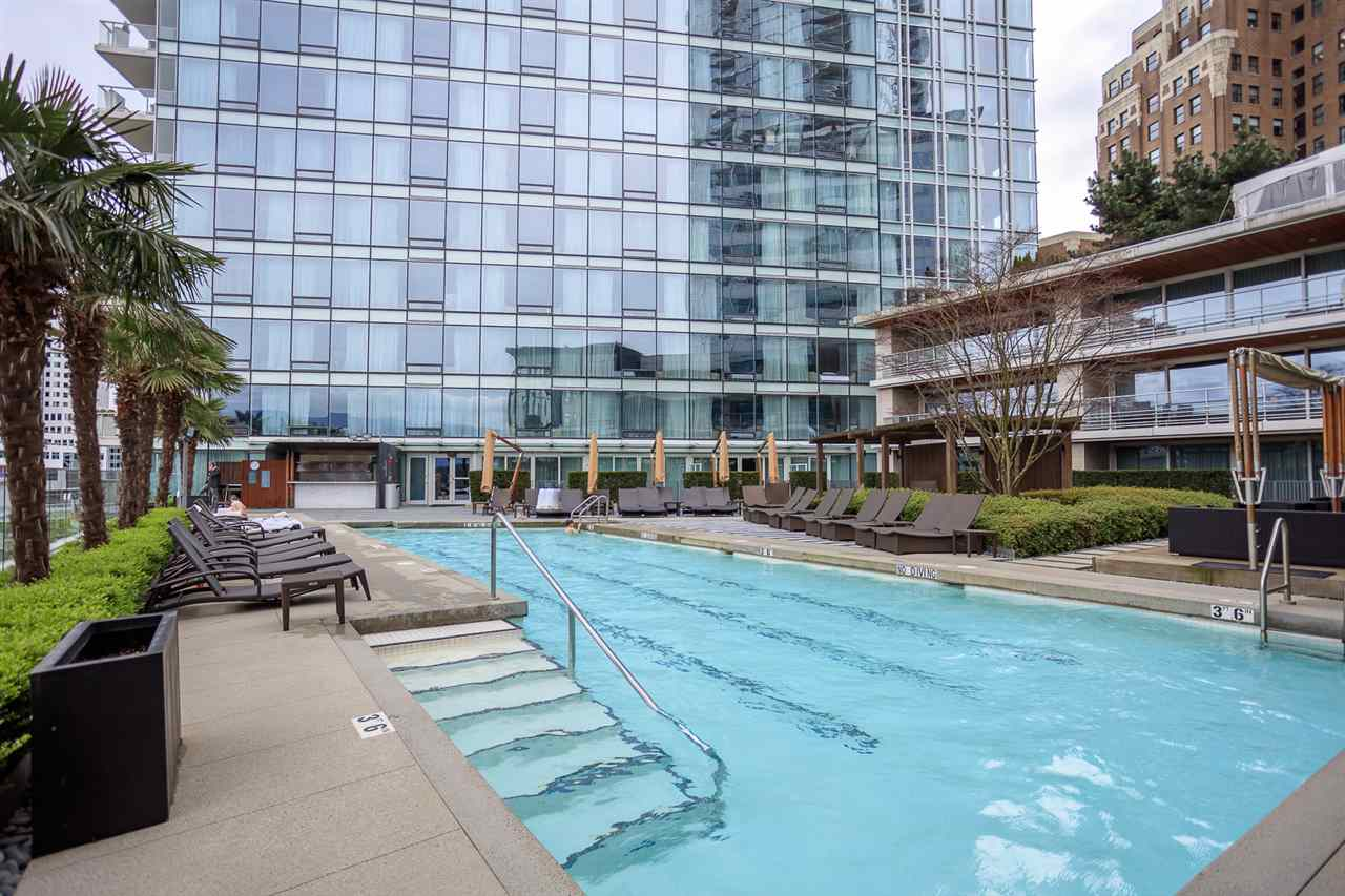 "Main Photo: 3504 1011 W CORDOVA Street in Vancouver: Coal Harbour Condo for sale in ""FAIRMONT PACIFIC RIM"" (Vancouver West)  : MLS(r) # R2149724"