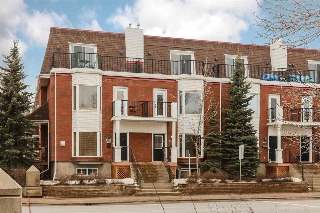 Main Photo: 9205 98 Avenue in Edmonton: Zone 18 Townhouse for sale : MLS(r) # E4056488