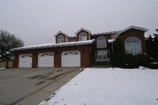 Main Photo: 12815 158 Avenue NW in Edmonton: Zone 27 House for sale : MLS(r) # E4056530