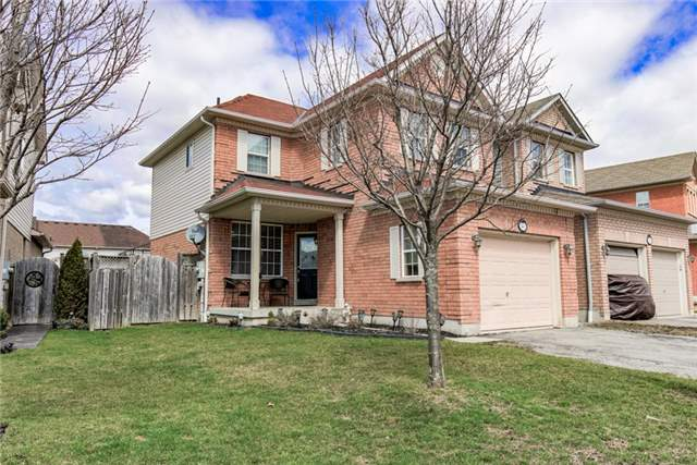Main Photo: 93 Shenandoah Drive in Whitby: Williamsburg House (2-Storey) for sale : MLS® # E3752989