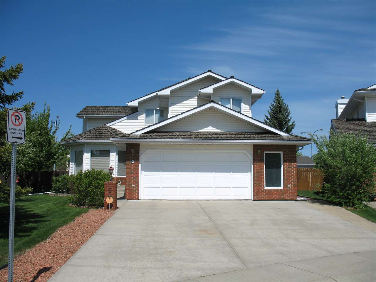 Main Photo: 2 NEWPORT Drive: Sherwood Park House for sale : MLS® # E4066792