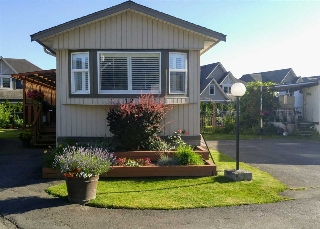 "Main Photo: 12 1884 HEATH Road: Agassiz Manufactured Home for sale in ""Heath Court"" : MLS(r) # R2181205"