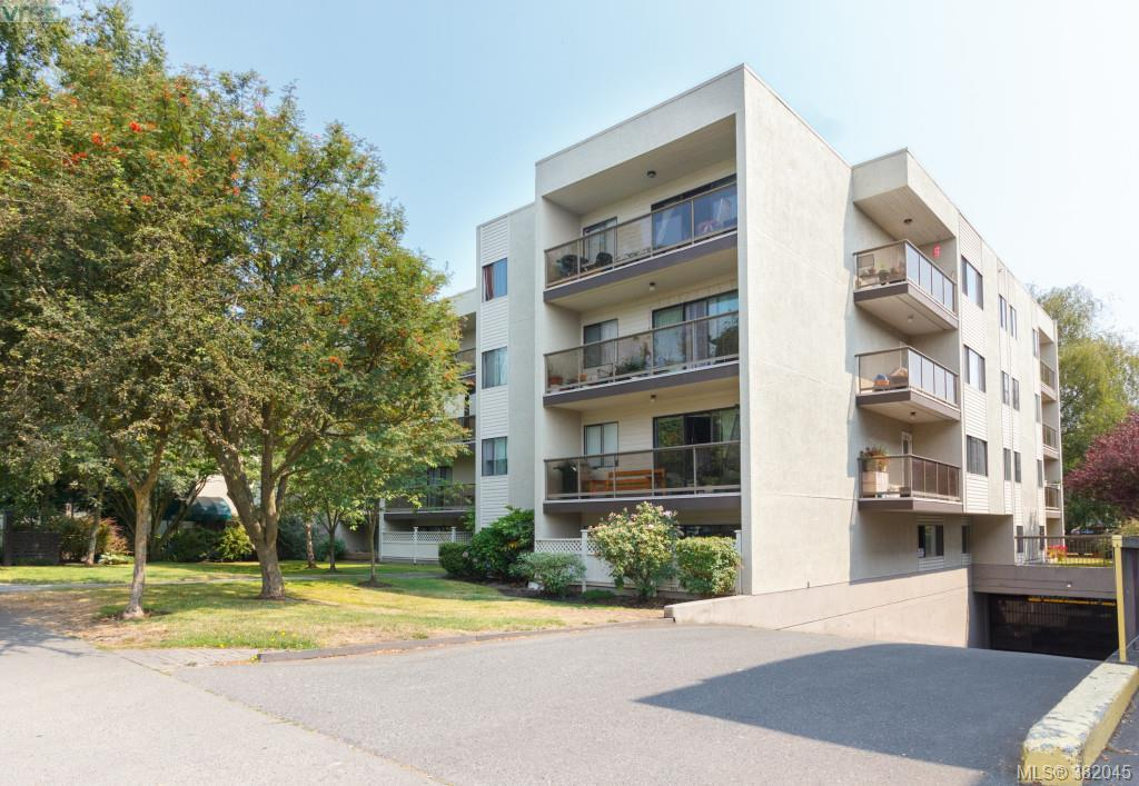 Main Photo: 302 2747 Quadra Street in VICTORIA: Vi Hillside Condo Apartment for sale (Victoria)  : MLS® # 382045