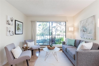 "Main Photo: 202 251 W 4TH Street in North Vancouver: Lower Lonsdale Condo for sale in ""Britannia Place"" : MLS® # R2206645"