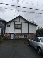 Main Photo: 828 STEVENS Street: White Rock House for sale (South Surrey White Rock)  : MLS® # R2230278