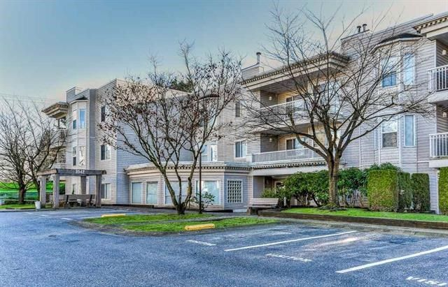 "Main Photo: 313 9942 151 Street in Surrey: Guildford Condo for sale in ""WESTCHESTER PLACE"" (North Surrey)  : MLS® # R2236959"