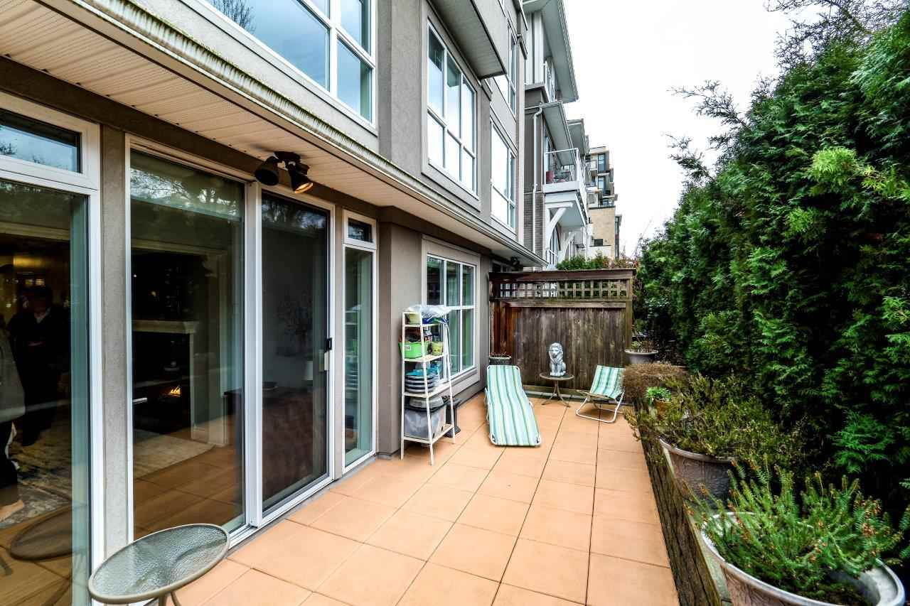 "Photo 13: Photos: 113 155 E 3RD Street in North Vancouver: Lower Lonsdale Condo for sale in ""The Solano"" : MLS® # R2244592"