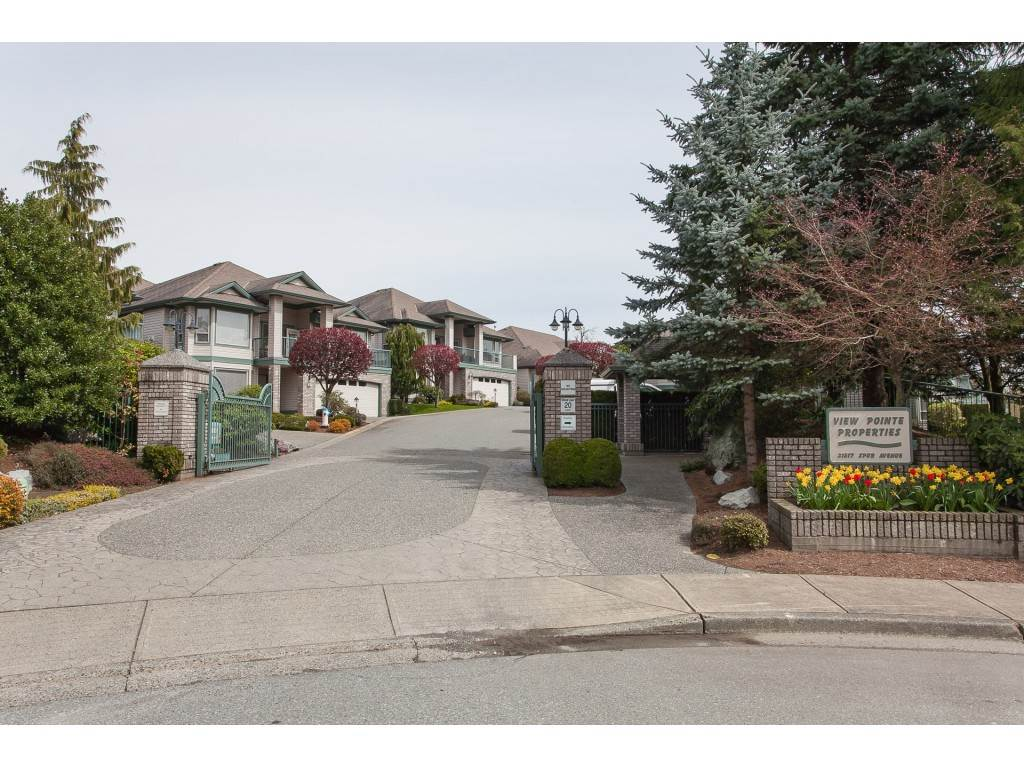 "Main Photo: 9 31517 SPUR Avenue in Abbotsford: Abbotsford West Townhouse for sale in ""View Pointe Properties"" : MLS®# R2302844"