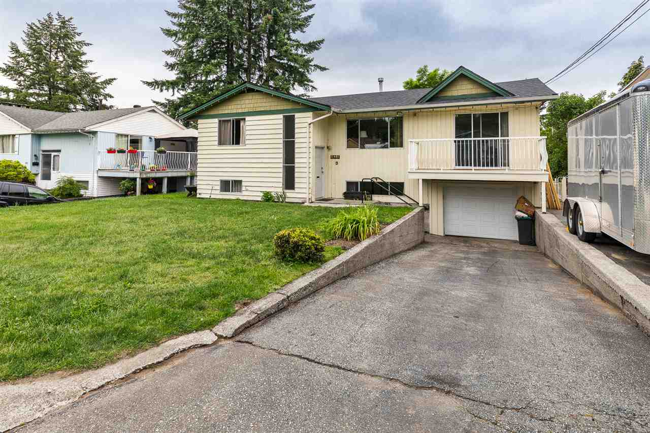 FEATURED LISTING: 11481 BARCLAY Street Maple Ridge