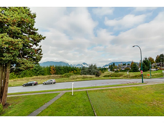 Photo 7: 3490 CAMBRIDGE Street in Vancouver: Hastings East House for sale (Vancouver East)  : MLS(r) # V1091567