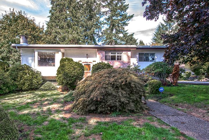 Main Photo: 1425 LEMAX Avenue in Coquitlam: Central Coquitlam House for sale : MLS® # R2003016