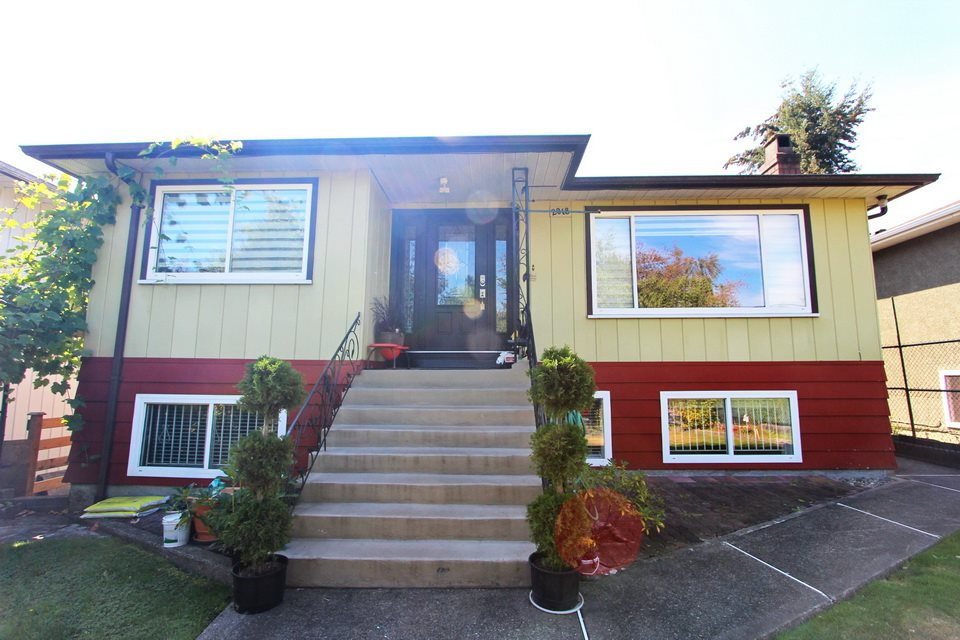 Main Photo: 2018 E 19TH Avenue in Vancouver: Grandview VE House for sale (Vancouver East)  : MLS® # R2104393