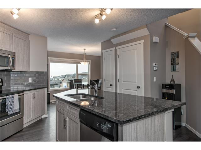 Photo 9: 230 NOLAN HILL Drive NW in Calgary: Nolan Hill House for sale : MLS(r) # C4088138