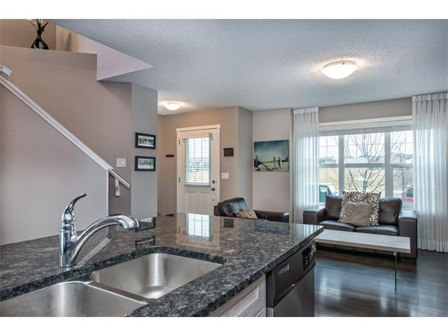 Photo 8: 230 NOLAN HILL Drive NW in Calgary: Nolan Hill House for sale : MLS(r) # C4088138