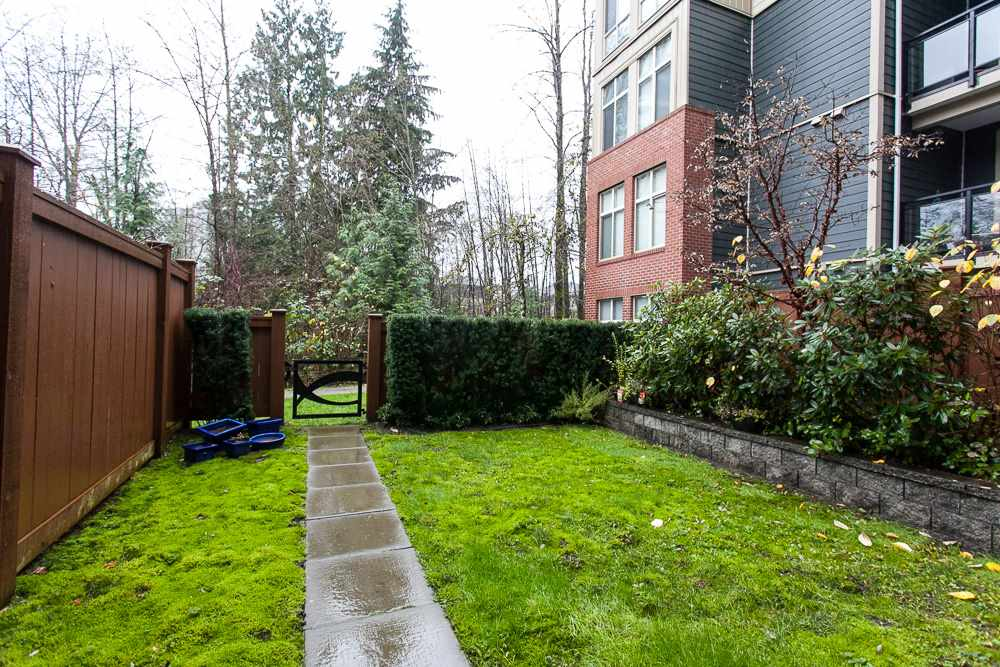 "Photo 3: 103 201 MORRISSEY Road in Port Moody: Port Moody Centre Condo for sale in ""LIBRA"" : MLS® # R2125986"