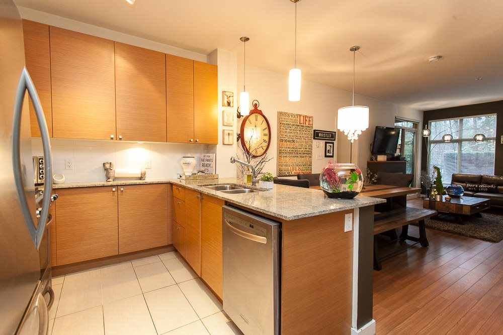 "Photo 7: 103 201 MORRISSEY Road in Port Moody: Port Moody Centre Condo for sale in ""LIBRA"" : MLS® # R2125986"