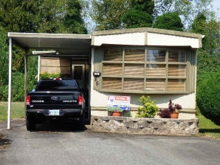 "Main Photo: 25 45111 WOLFE Road in Chilliwack: Chilliwack W Young-Well Manufactured Home for sale in ""FRASER VILLAGE"" : MLS® # R2126124"