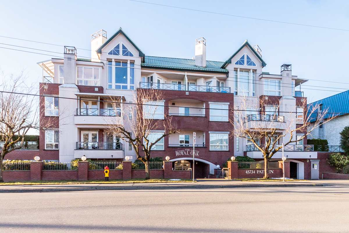 "Main Photo: 201 45734 PATTEN Avenue in Chilliwack: Chilliwack W Young-Well Condo for sale in ""Royal Oak"" : MLS® # R2135156"