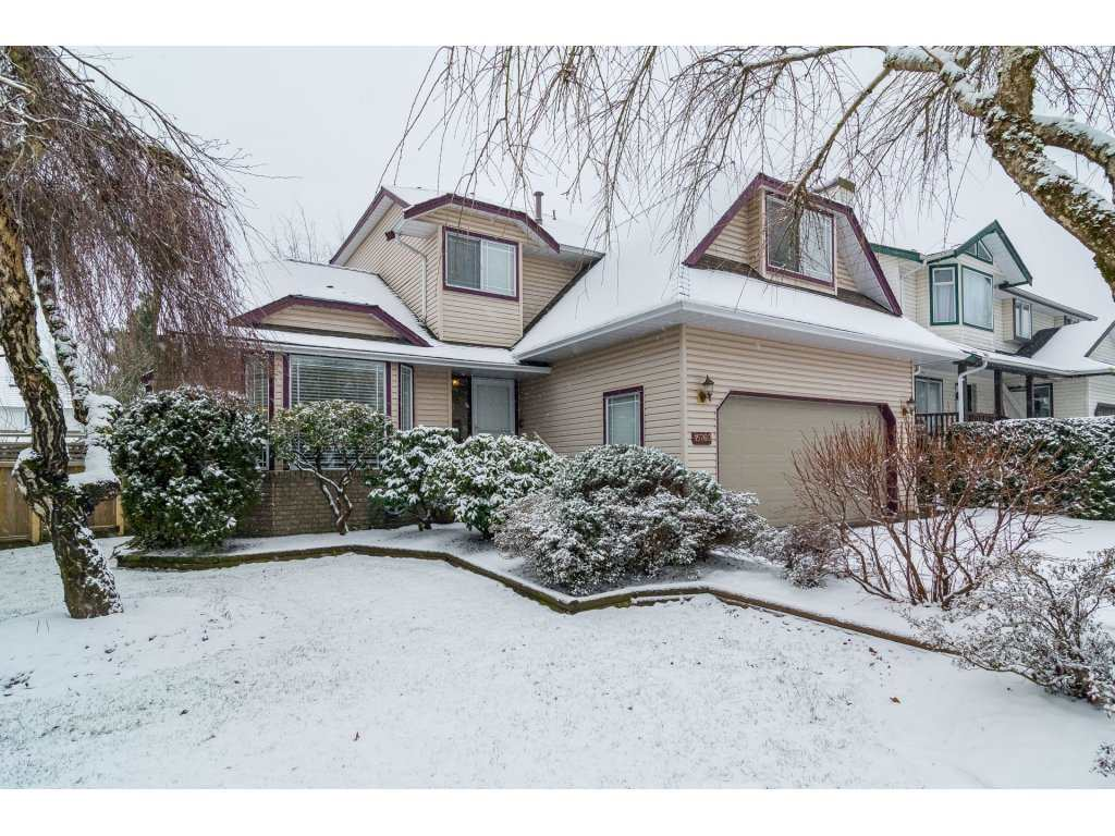"Main Photo: 15760 90 Avenue in Surrey: Fleetwood Tynehead House for sale in ""FLEETWOOD"" : MLS® # R2136555"
