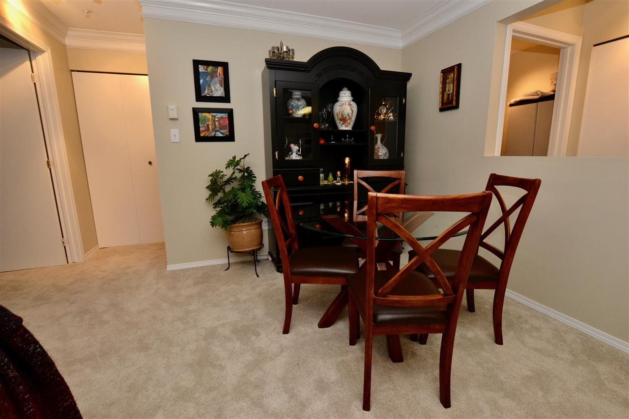 "Photo 4: 208 20881 56 Avenue in Langley: Langley City Condo for sale in ""Robert's Court"" : MLS(r) # R2140005"