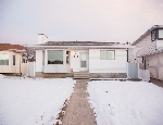 Main Photo: 9121 180A Avenue in Edmonton: Zone 28 House for sale : MLS(r) # E4053187