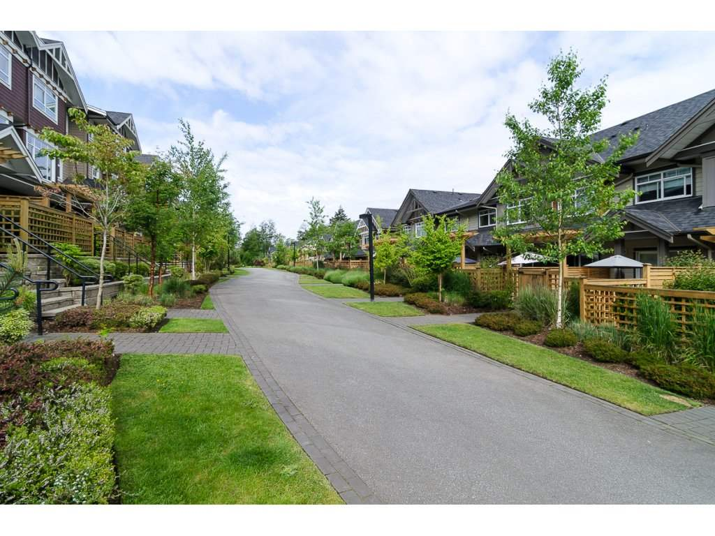 "Photo 18: 33 2979 156TH Street in Surrey: Grandview Surrey Townhouse for sale in ""Enclave"" (South Surrey White Rock)  : MLS(r) # R2141367"