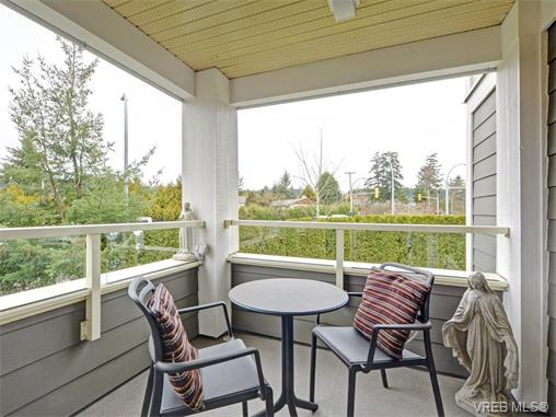 Photo 16: 204 535 Heatherdale Lane in VICTORIA: SW Royal Oak Condo Apartment for sale (Saanich West)  : MLS(r) # 375392