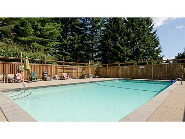 "Main Photo: 4659 HOSKINS Road in North Vancouver: Lynn Valley Townhouse for sale in ""Yorkwood Hills"" : MLS®# R2148459"