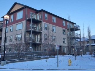 Main Photo:  in Edmonton: Zone 56 Condo for sale : MLS(r) # E4056361