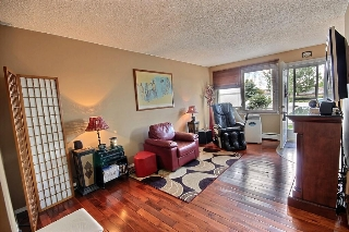 Main Photo: 101 16348 109 Street in Edmonton: Zone 27 Townhouse for sale : MLS(r) # E4058459
