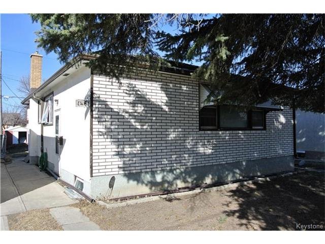 Main Photo: 1461 Selkirk Avenue in Winnipeg: North End Residential for sale (4B)  : MLS®# 1708302