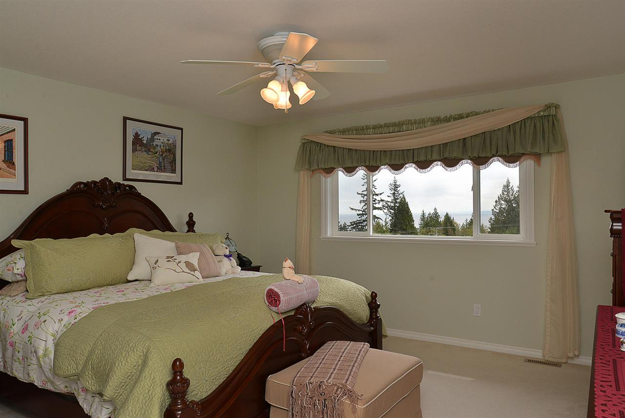 Photo 10: Photos: 6239 SUNRISE Boulevard in Sechelt: Sechelt District House for sale (Sunshine Coast)  : MLS®# R2156873
