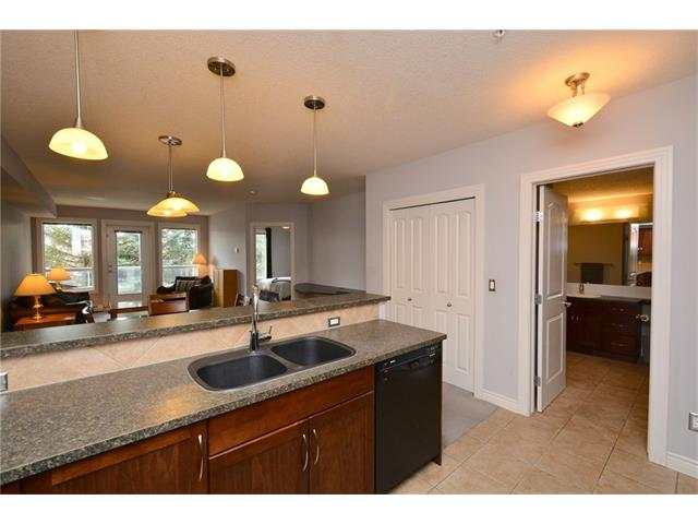 Photo 13: 209 3101 34 Avenue NW in Calgary: Varsity Condo for sale : MLS(r) # C4113505