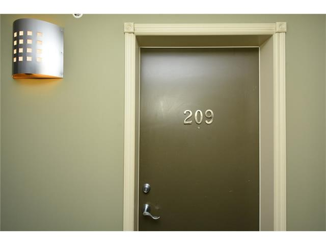 Photo 7: 209 3101 34 Avenue NW in Calgary: Varsity Condo for sale : MLS(r) # C4113505