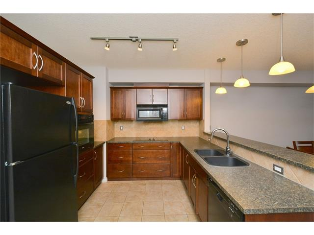 Photo 10: 209 3101 34 Avenue NW in Calgary: Varsity Condo for sale : MLS(r) # C4113505