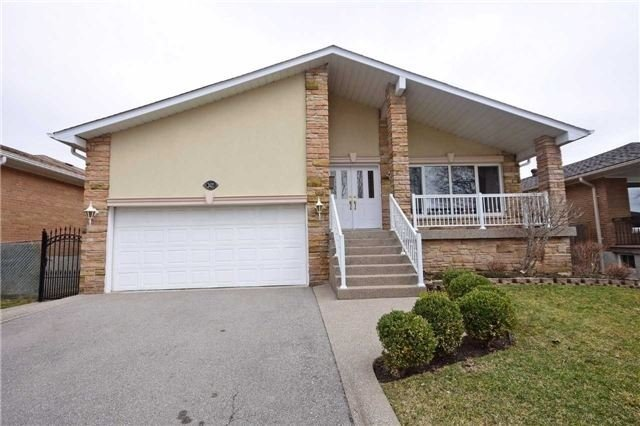 Main Photo: 2421 Old Pheasant Road in Mississauga: Cooksville House (Backsplit 4) for lease : MLS(r) # W3827399