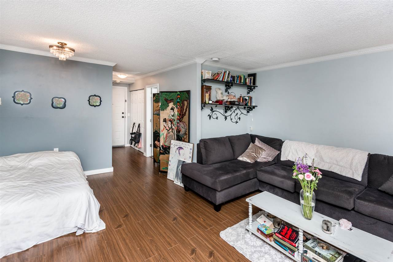 Photo 5: 112 707 EIGHTH Street in New Westminster: Uptown NW Condo for sale : MLS(r) # R2176716