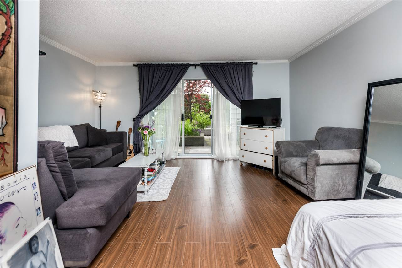 Photo 4: 112 707 EIGHTH Street in New Westminster: Uptown NW Condo for sale : MLS(r) # R2176716