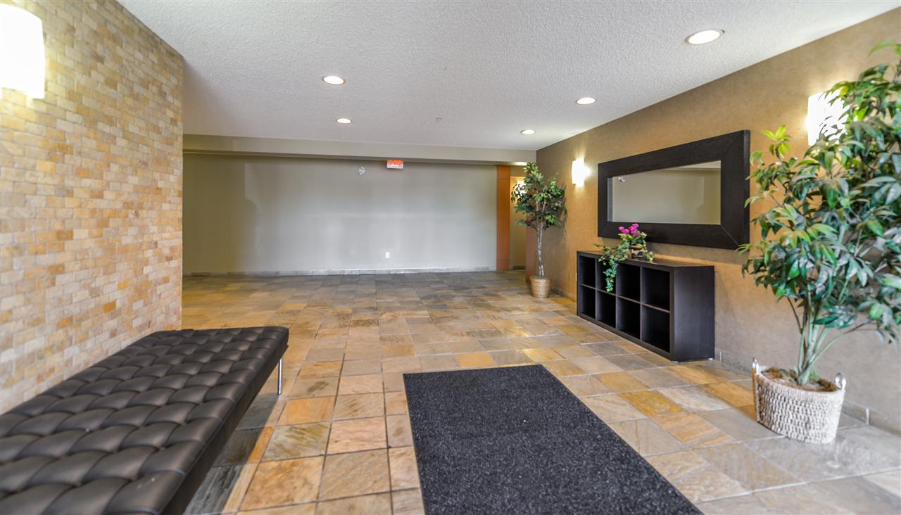 Photo 2: 206 15211 139 Street in Edmonton Apartment Condo for sale MLS E4068966