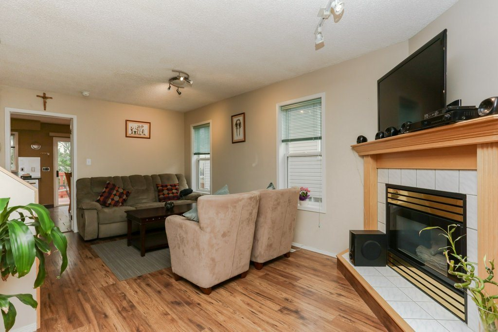Photo 5: 11816 9 Avenue in Edmonton: Zone 16 House for sale : MLS® # E4074256