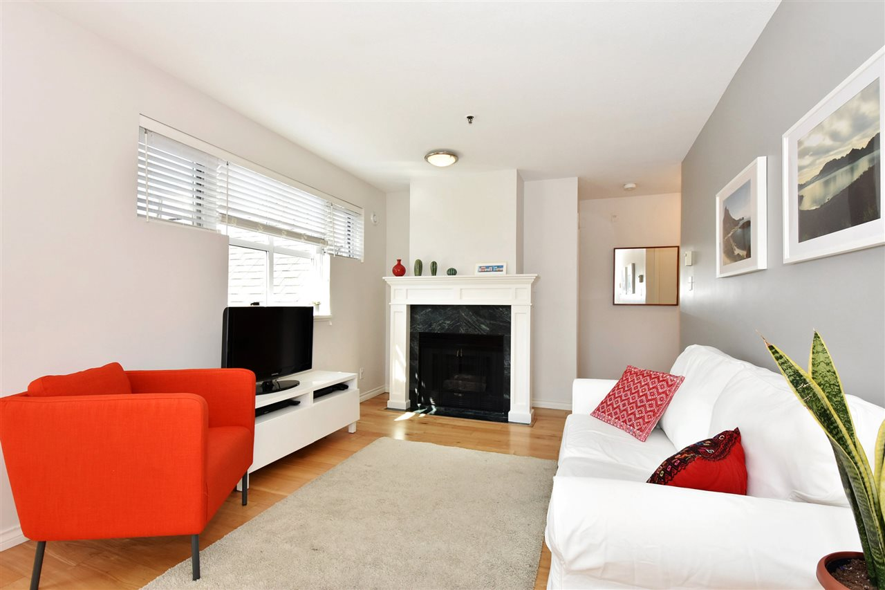 "Main Photo: PH1 3168 LAUREL Street in Vancouver: Fairview VW Condo for sale in ""LAUREL PLACE"" (Vancouver West)  : MLS® # R2198650"