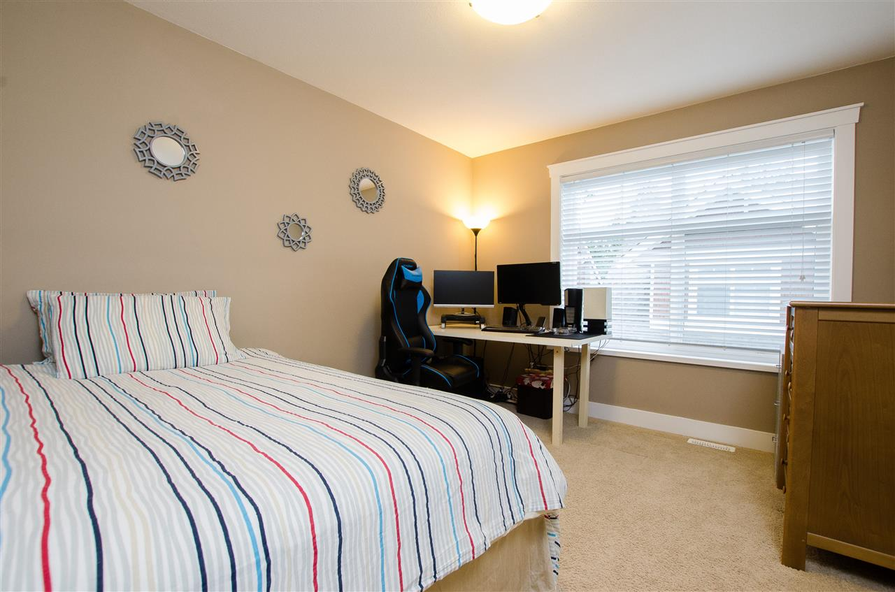 "Photo 13: Photos: 5 2456 163 Street in Surrey: Grandview Surrey Townhouse for sale in ""Azure East"" (South Surrey White Rock)  : MLS® # R2223521"