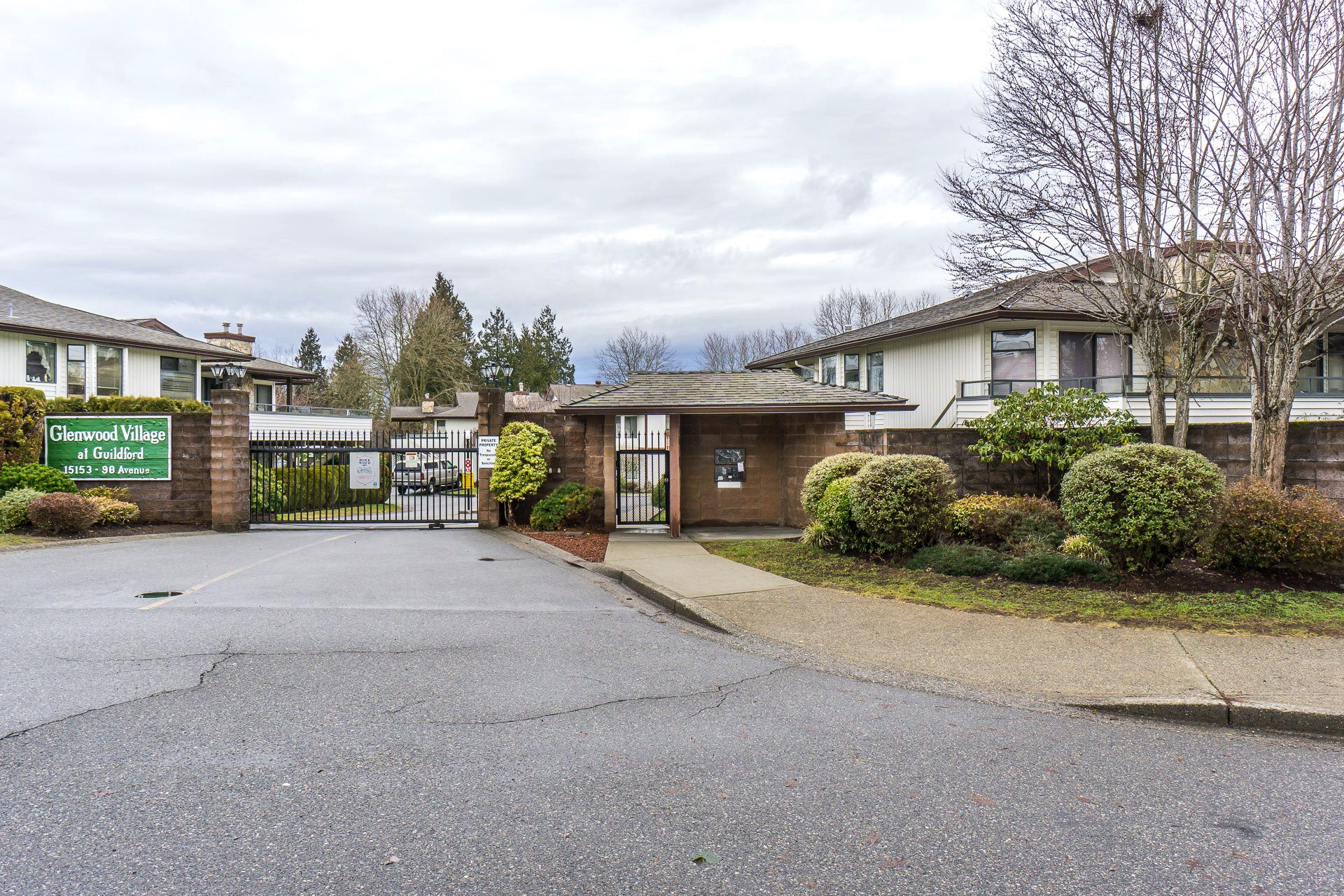 "Main Photo: 219 15153 98 Avenue in Surrey: Guildford Townhouse for sale in ""Glenwood Village"" (North Surrey)  : MLS®# R2233101"
