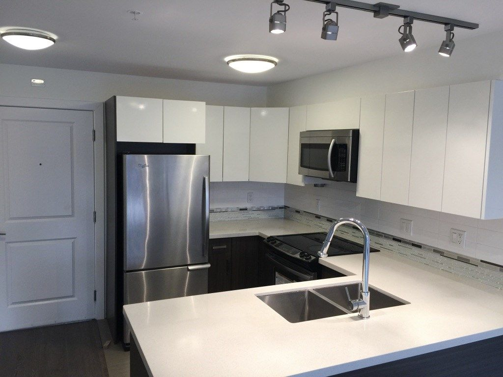 "Main Photo: 206 2408 E BROADWAY in Vancouver: Renfrew VE Condo for sale in ""BROADWAY CROSSING"" (Vancouver East)  : MLS® # R2234098"
