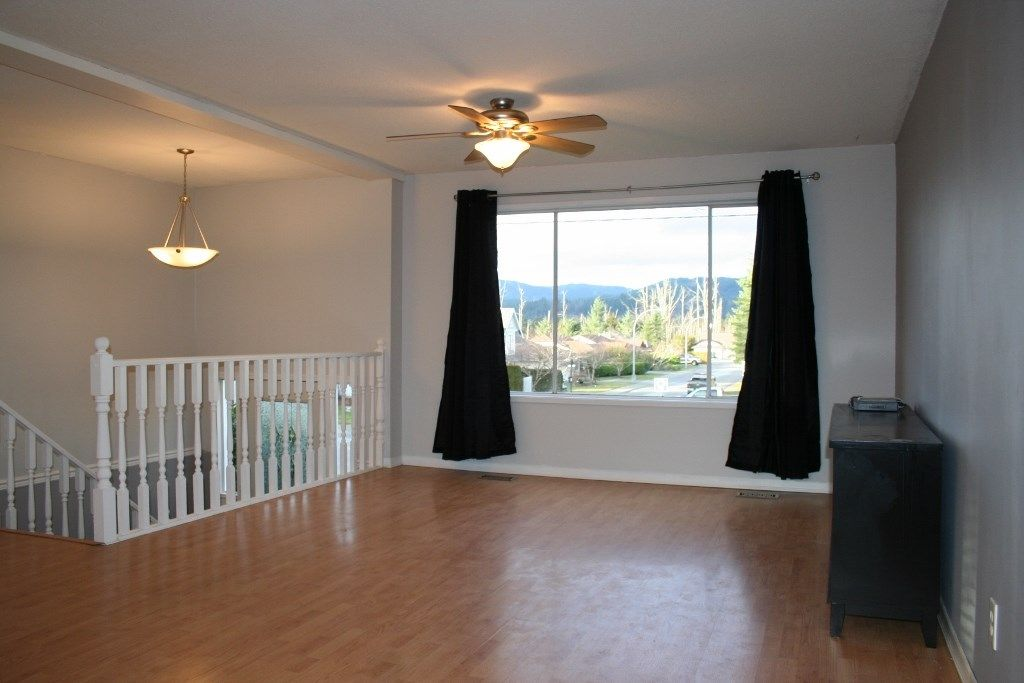 Photo 5: Photos: 33284 CHERRY Avenue in Mission: Mission BC House for sale : MLS® # R2234095