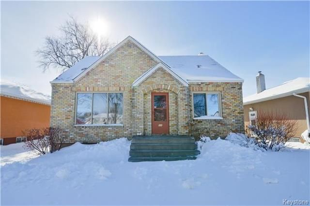 Main Photo: 866 Bannerman Avenue in Winnipeg: North End Residential for sale (4C)  : MLS® # 1804887