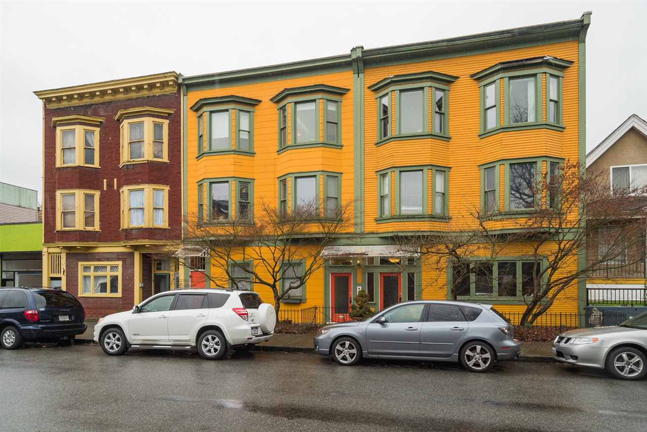 Main Photo: 6 876 E GEORGIA Street in Vancouver: Mount Pleasant VE Condo for sale (Vancouver East)  : MLS®# R2248918