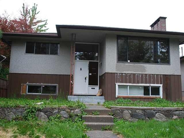 Main Photo: 3627 VANNESS Avenue in Vancouver: Collingwood VE House for sale (Vancouver East)  : MLS®# R2312328