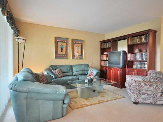 "Photo 2: Photos: 301 525 AUSTIN Avenue in Coquitlam: Coquitlam West Condo for sale in ""BROOKMERE TOWERS"" : MLS® # V879815"